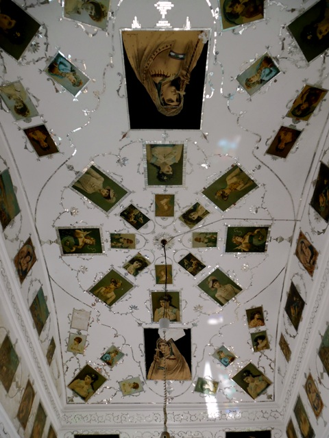 Plafond occidentaliste, khân-e Lari, Yazd