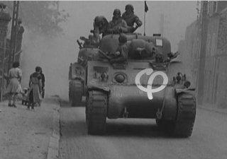1944: la rue chasse le Nazisme