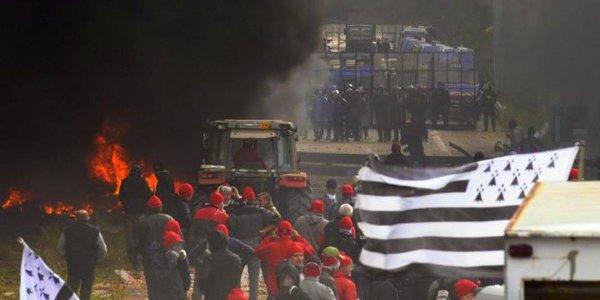 Éco-taxe: vive la Bretagne libre!